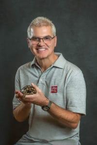 Portrait mit Schildkröte